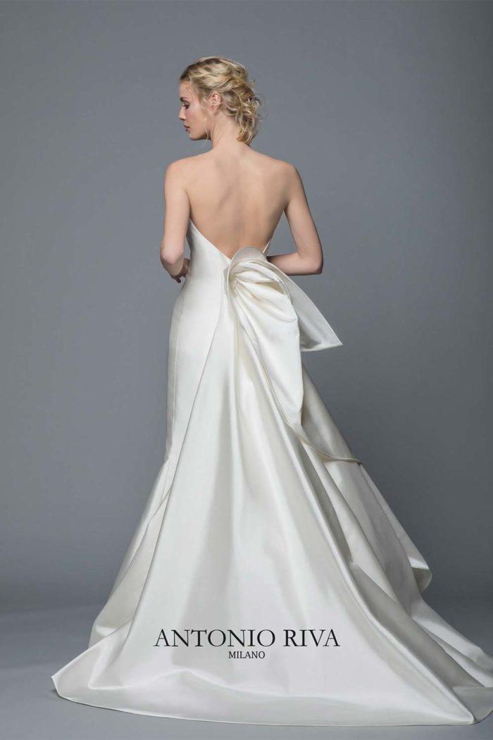 02-abiti-sposa-antonio-riva-collezione-divina-2020