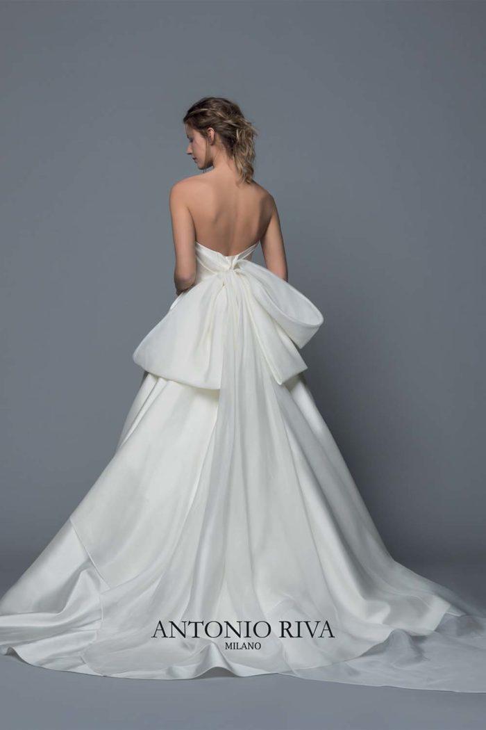 06-abiti-sposa-antonio-riva-collezione-divina-2020
