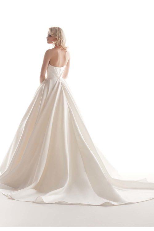 07-abiti-sposa-alessandra-rinaudo-2020