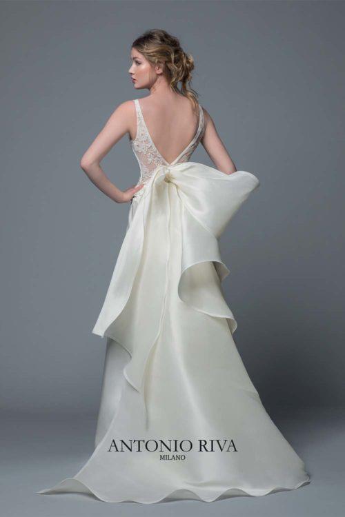08-abiti-sposa-antonio-riva-collezione-divina-2020