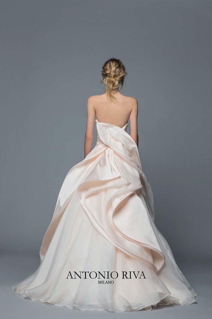 14-abiti-sposa-antonio-riva-collezione-divina-2020