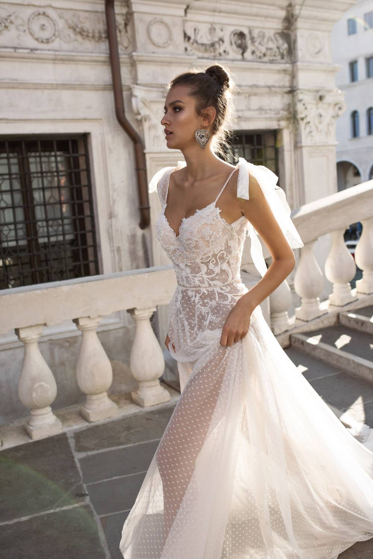 1a989ceb240b Pinella Passaro - Abiti da sposa 2019